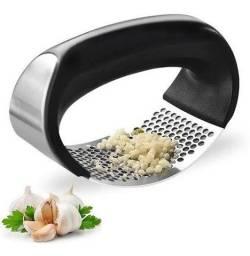 Amassador Triturador Espremedor De Alho Inox Manual Cozinha Prático Rápido Fácil