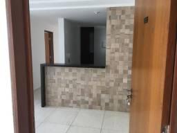 Apartamento Térreo bem localizado com 03 quartos no Bairro do Cristo