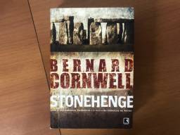 Livro Stonehenge (Bernard Cornwell)