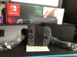 Nintendo Switch + Case+ Hori Lan Adptador.