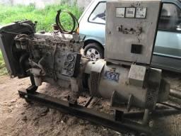 Grupo Gerador Transmil 110 kVA motor perkins pouco uso