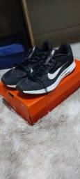 Nike Downshifter 9 // tamanho 40