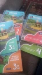 Livros Usados Sistema trilhas  3° ano.
