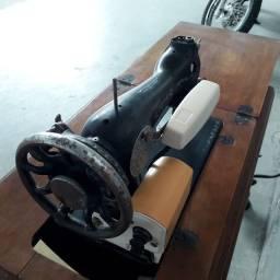 maquina de costura com manual 1960 reliquia (produto usado)