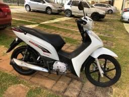 Moto Honda BIZ 125 EX - branca -   2015