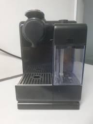 Título do anúncio:  Cafeteira Nespresso Lattissima Touch