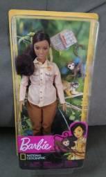 Boneca barbie coleção Nat Geo - Conservacionista da vida selvagem