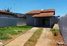 Alugo Casa de 114 m² 3 quartos c/ armários 1 suíte c/ Lote Comercial Setor Buriti Sereno