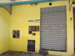 Pequena loja em Itinga