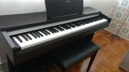 Piano Yamaha Arius YDP-142 - Promoção