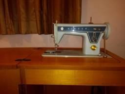 Máquina de costura Singer 660 manual com gabinete