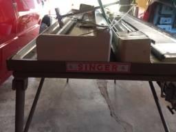 Máquina de Tricô SINGER com pentes SRP 20