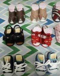 Sapatinhos e sandálias para bebê