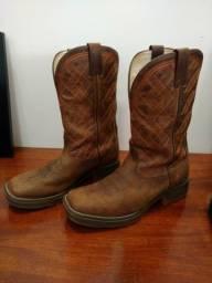 Vendo botas Goyazes e Jácomo