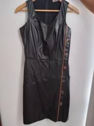 Vestido Preto(Couro Sintético)