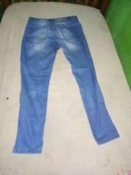 Estou vendendo essas calças jeans