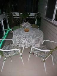 Conjunto de mesa e cadeiras de varanda