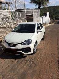 Vendo Toyota Etios sedan Branco - 2018