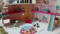 Maternidade littlest pet shop com escada e elevador