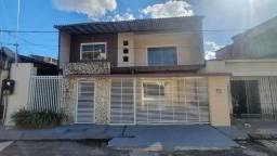Casa em Condomínio com 3 Suítes, 4 Vagas de Garagem em 200 m² no Res Vila Nova