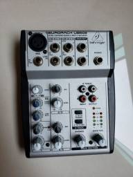 Mesa de Som /Mixer - EuroRack UBS 502