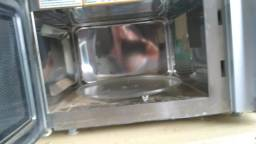 Vendo microondas de inox fiche 30 litros