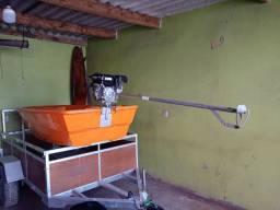 Barco com motor de rabeta 7 HP