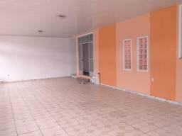 Alugo linda casa de 3 quartos no Conjunto Tapajós