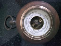 Antigo Higrometro (mecanismo náutico para previssão do tempo.)