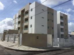 Apartamento com área privativa no Bairro do Cristo