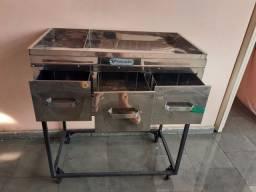 Mesa para cortar frango assado em INOX