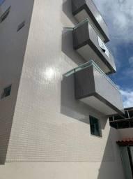 Apartamento lindo 2/4 com suíte e varanda Piatã