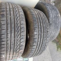 Três pneus 195 55 R15 wiking