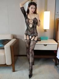 Fantasia sensual, meia arrastão, lingerie sexy,