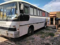 Ônibus Mercedes bens om 366