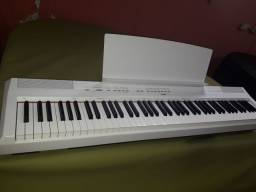 Piano digital yamaha p-115 semi-novo