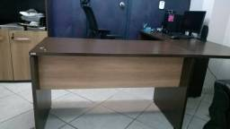 Mesa grande e linda