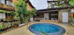 Bela casa no Residencial Tucuruví com 4 quartos sendo 3 suítes, piscina e 2 vagas. CA0001