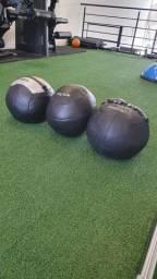 Wall ball