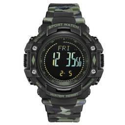 Relógio Pedômetro Masculino Weide Digital WA9J001 Militar Triple Sensor - Verde Camuflado