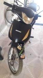 Moto 50c bravax