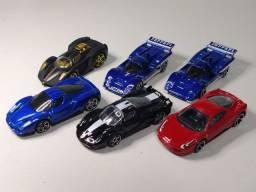 Lote com 6 Ferraris Hotwheels impecáveis.