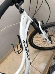 Bicicleta top semi nova