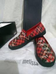 VendoPar de sapato feminino novo na caixa