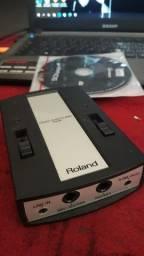 Interface de áudio da Roland em perfeito estado.
