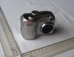 Câmera Digital Nikon - Modelo Coolpix 3100 - Usada - Funcionando - Sem Periféricos