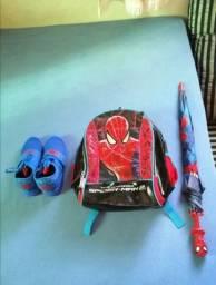 Kit infantil homem aranha Mochila, Tênis TAM. 33 e Guarda-chuva