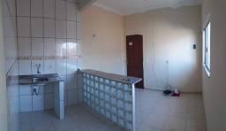 Aluga-se apartamento tipo kitnet