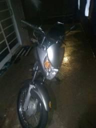 Vendo moto honda 150 Titan es