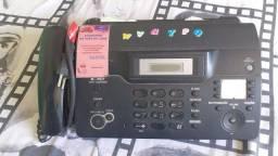 Telefone e aparelhos e fax.
